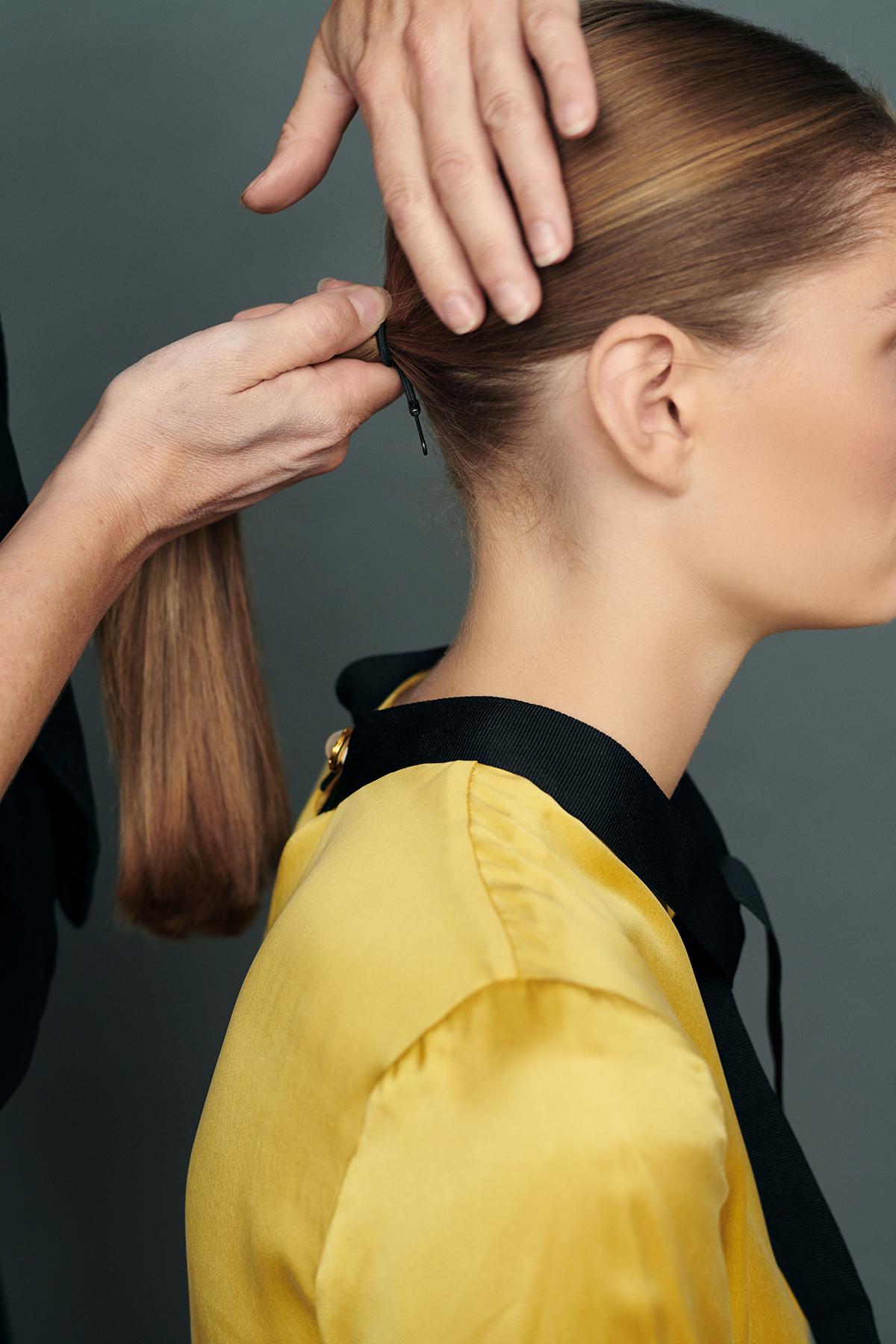 I håret knold Sort hår